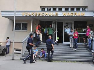 Φωτογραφία για Πήγε στο σχολείο έβγαλε τον 7χρονο γιό του από την αίθουσα και τον πυροβόλησε!