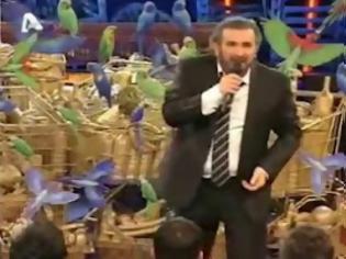 Φωτογραφία για Αποκαλυπτικό Βίντεο. Όλη η αλήθεια για τον Ανθέλληνα Λαζόπουλο....
