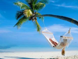 Φωτογραφία για Η φωτογραφία που σαρώνει: Έτσι θα κάνουν φέτος διακοπές οι Έλληνες [φωτο]