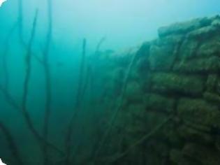 Φωτογραφία για Εντοπίστηκε βυθισμένη εκκλησία στη λίμνη Κρεμαστών