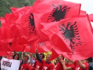 Φωτογραφία για Στην Αθήνα ακραίοι Αλβανοί για να πουν ότι η μισή Ελλάδα είναι δική τους!