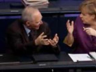 Φωτογραφία για Γιατί oι Γερμανοί ερωτεύθηκαν την Ελλάδα: Η έκθεση της Deutsche Bank είναι η αιτία...