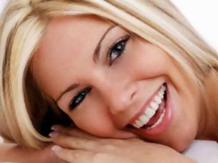 Φωτογραφία για ΠΕΡΙΠΟΙΗΣΗ ΔΟΝΤΙΩΝ Ο δεκάλογος ενός λαμπερού χαμόγελου