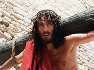 Φωτογραφία για Δείτε πως είναι σήμερα ο ηθοποιός που υποδύθηκε τον Ιησού από τη Ναζαρέτ