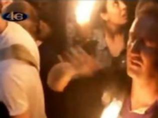 Φωτογραφία για VIDEO: Το γύρο του κόσμου κάνει ο Ναυπλιώτης που δεν καίγεται από το Άγιο Φως