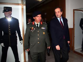 Φωτογραφία για Ο μπαμπούλας των απολύσεων εμφανίστηκε γιατί έρχεται ακόμη μείον 20% στους μισθούς στρατιωτικών