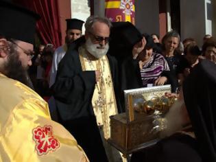 Φωτογραφία για Η Ιερά Μητρόπολη Πειραιώς υποδέχθηκε το Τίμιο Ξύλο και τα Ιερά Λείψανα του Οσίου Σεραφείμ του Σαρώφ [video]