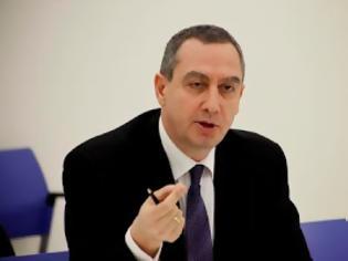 Φωτογραφία για Μιχελάκης: «Θα φύγουν όσοι δημόσιοι υπάλληλοι έχουν προσληφθεί παράνομα»