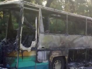Φωτογραφία για Στις φλόγες τυλίχθηκε λεωφορείο του KΤΕΛ γεμάτο με επιβάτες