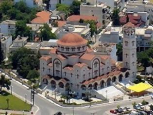 http://images.newsnow.gr/48/489072/me-megali-lamprotita-kai-thriskeftiki-katanyxi-Video-1-315x236.jpg