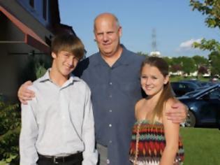 Φωτογραφία για Ο συγγραφέας του νέου βιβλίου (11 Σεπτεμβρίου η αλήθεια) δολοφονήθηκε μαζί με τα παιδιά του !