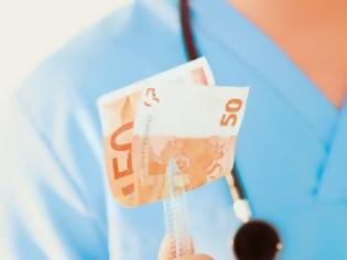 Φωτογραφία για «Θησαυρό» εκατομμυρίων βρίσκει το ΣΔOΕ σε λογαριασμούς – Στο στόχαστρο γιατροί, δικηγόροι, ακόμη και ιεράρχες