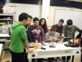 Φωτογραφία για Mαθητές από τη Μυτιλήνη έφτιαξαν δορυφόρο!