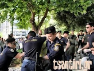 Φωτογραφία για ΣΥΝΤΑΓΜΑ: Επεισόδια και προσαγωγές ακτιβιστών