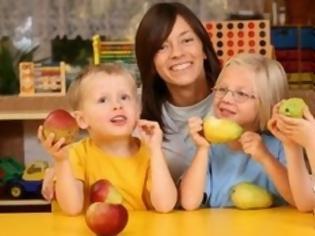 Φωτογραφία για Κάθε πότε και τι πρέπει να τρώνε τα παιδιά;